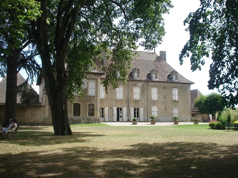 Photo du Monument Historique Château situé à Hauterives