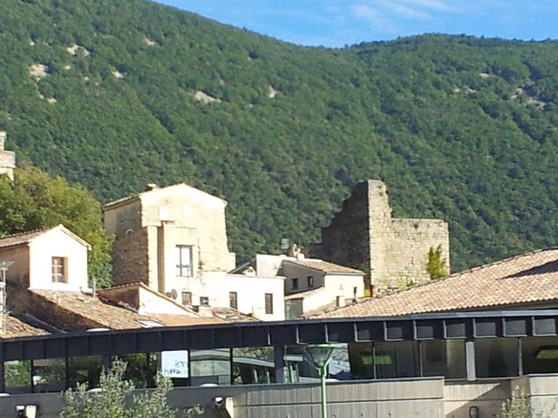 Photo du Monument Historique Château Vieux (ancien château Delphinal) situé à Nyons
