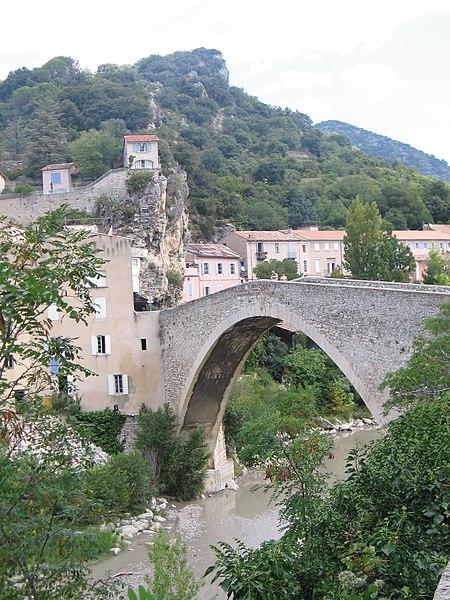 Photo du Monument Historique Pont sur l'Eygues situé à Nyons