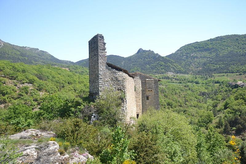 Photo du Monument Historique Château de Gouvernet (ruines) situé à Saint-Sauveur-Gouvernet