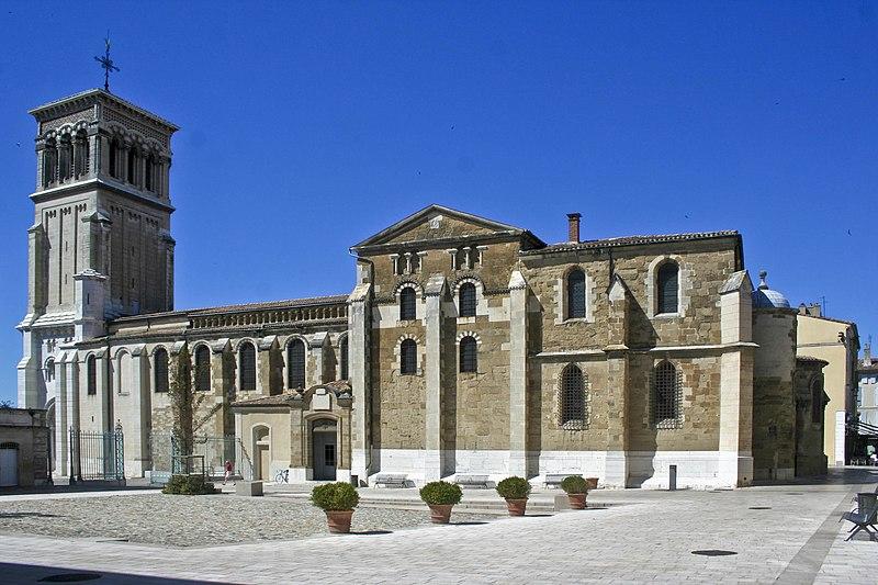 Photo du Monument Historique Cathédrale Saint-Apollinaire situé à Valence