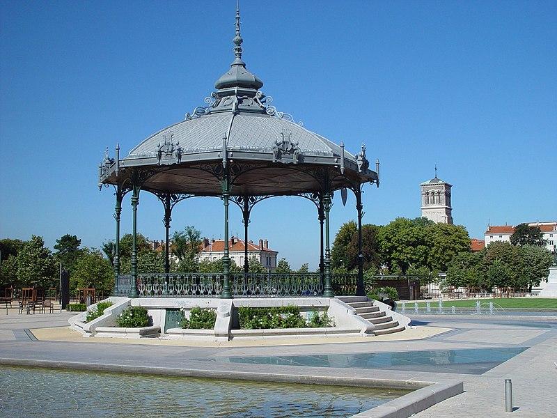 Photo du Monument Historique Kiosque Peynet situé à Valence