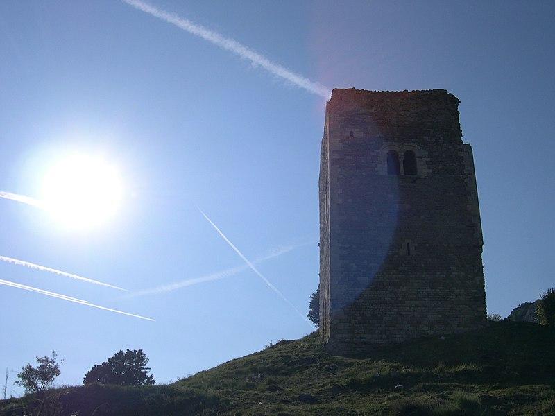 Photo du Monument Historique Tour dite d'Alençon situé à Roche-Saint-Secret-Béconne