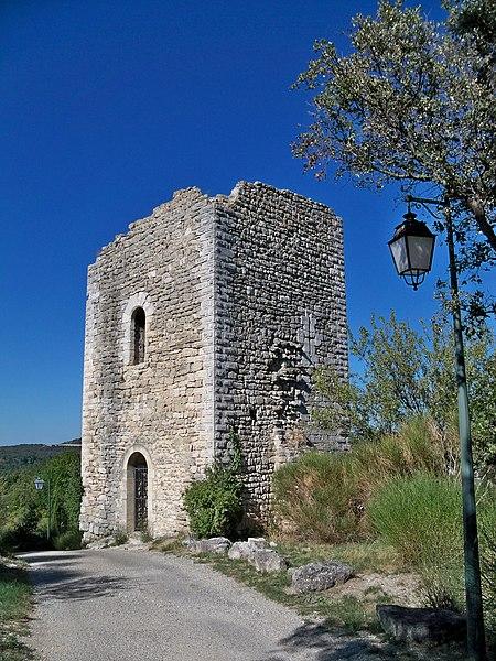 Photo du Monument Historique Tour talutée dite à bossages situé à Clansayes