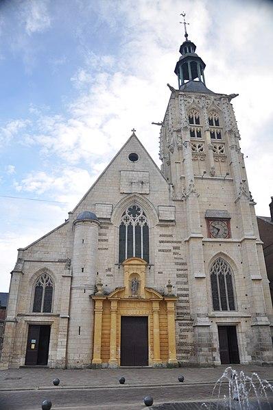 Photo du Monument Historique Eglise Sainte-Croix situé à Bernay