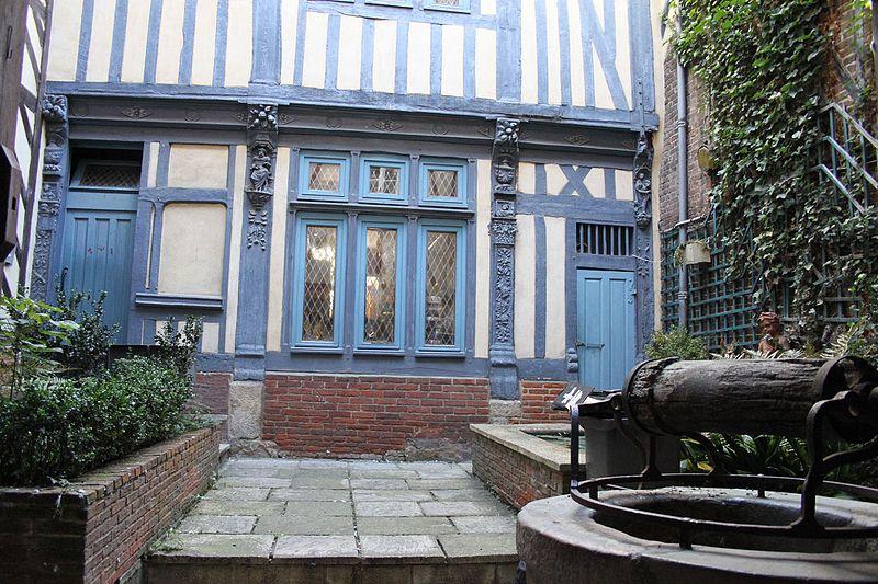 Photo du Monument Historique Maison situé à Bernay