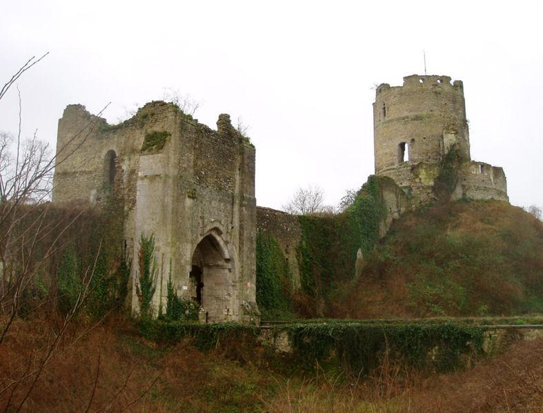 Photo du Monument Historique Ensemble castral situé à Château-sur-Epte