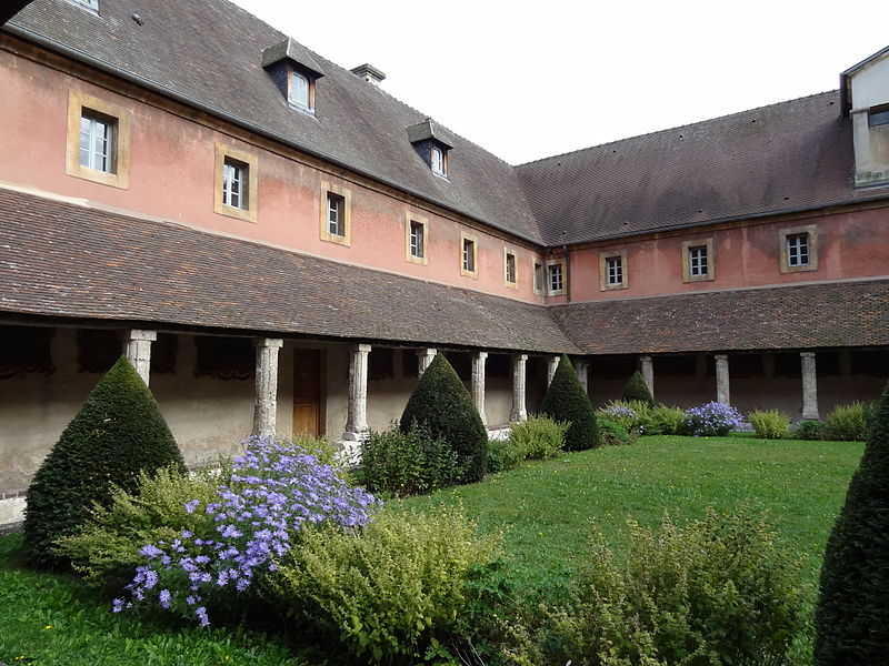 Photo du Monument Historique Couvent des Capucins situé à Evreux