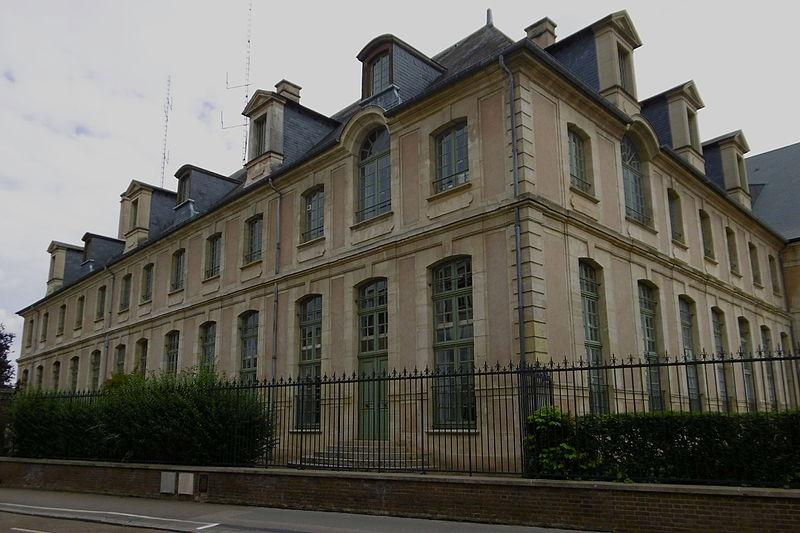 Photo du Monument Historique Ancien couvent des Ursulines situé à Evreux