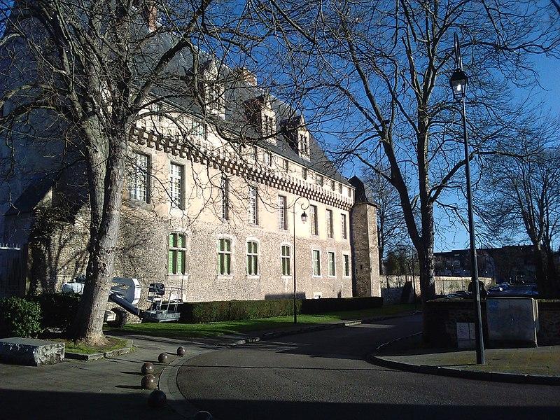 Photo du Monument Historique Evêché et ses dépendances situé à Evreux
