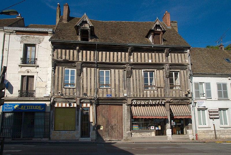 Photo du Monument Historique Maison dite de Henri IV situé à Ivry-la-Bataille