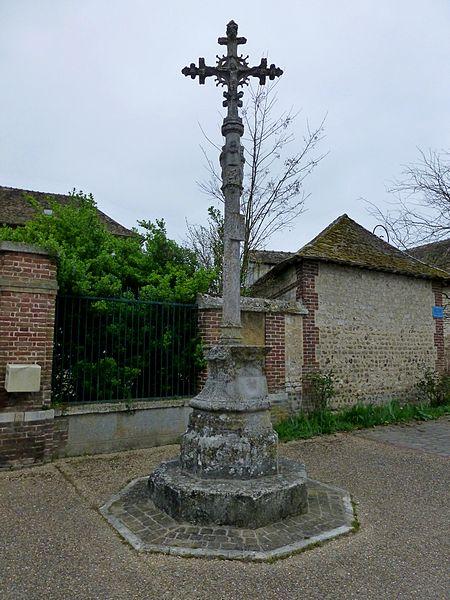 Photo du Monument Historique Croix situé à Léry