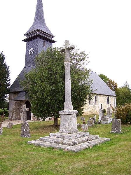 Photo du Monument Historique Croix de cimetière situé à Notre-Dame-d'Epine