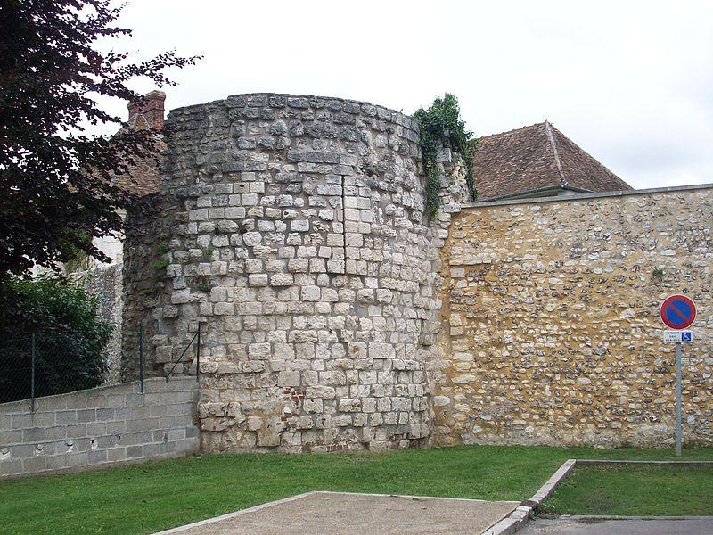 Photo du Monument Historique Anciens remparts situé à Pont-de-l'Arche