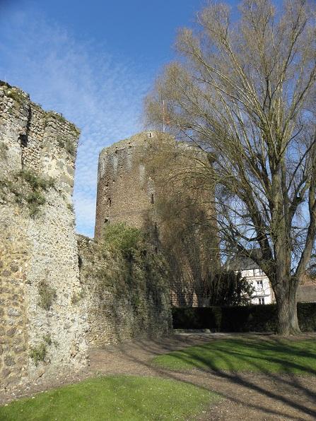 Photo du Monument Historique La Tour Grise situé à Verneuil-sur-Avre