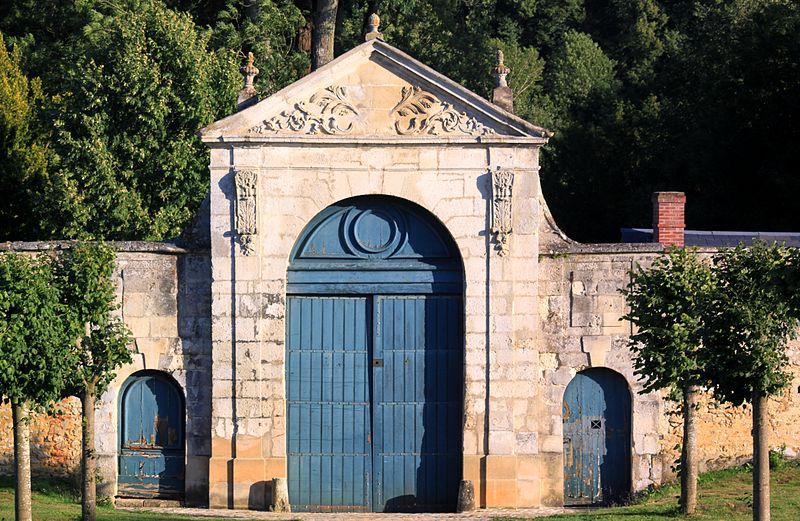 Photo du Monument Historique Ancienne abbaye du Trésor-Notre-Dame situé à Bus-Saint-Rémy