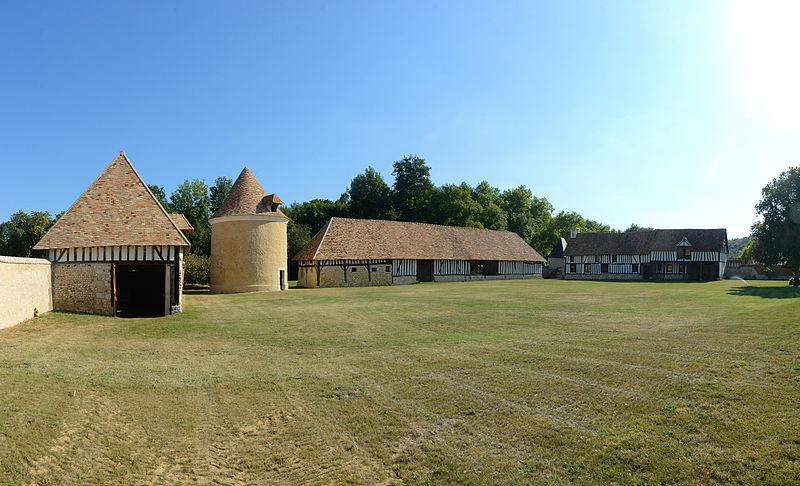 Photo du Monument Historique Manoir de Mailloc situé à Cailly-sur-Eure