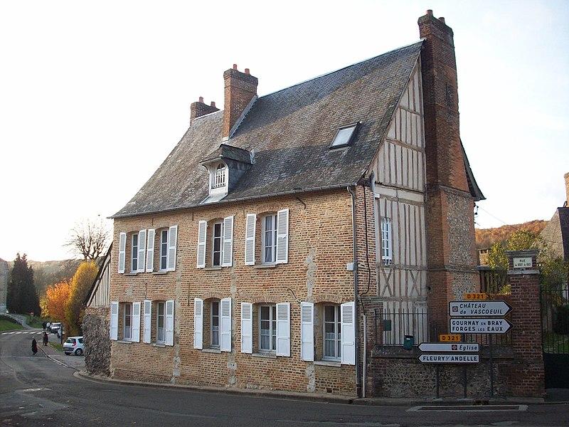 Photo du Monument Historique Ancienne maréchaussée situé à Lyons-la-Forêt