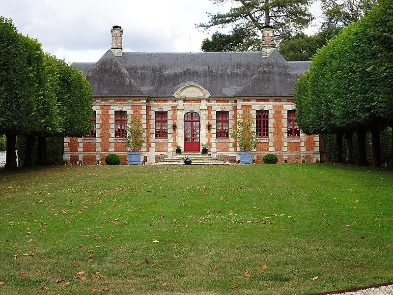 Photo du Monument Historique Château dit manoir Saint-Calais situé à Louversey