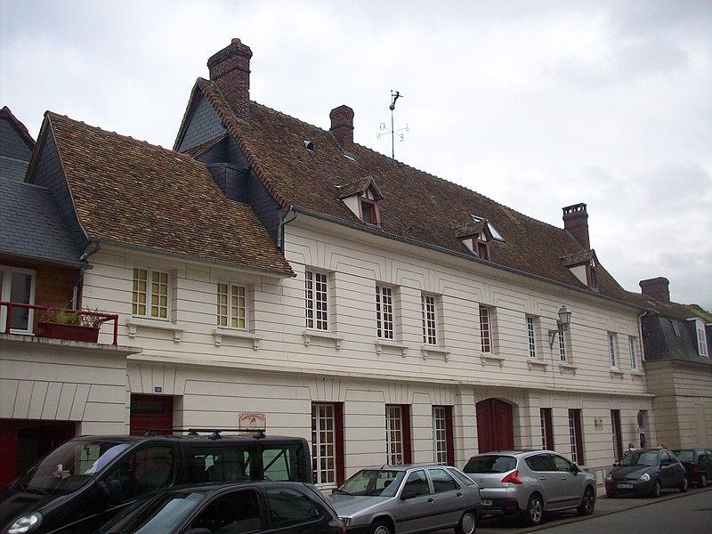Photo du Monument Historique Ancien manoir situé à Pont-de-l'Arche