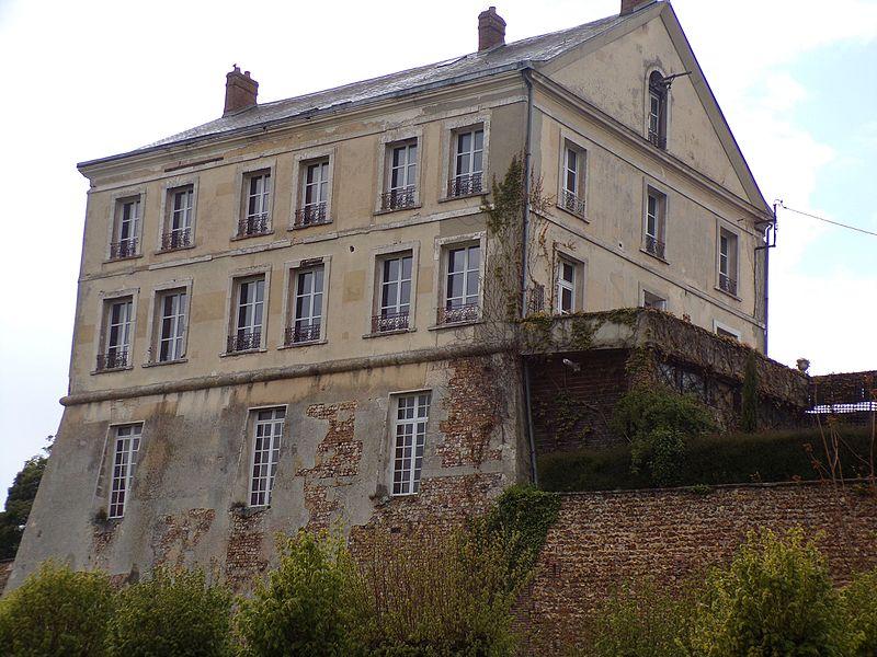 Photo du Monument Historique Ancien château situé à Tillières-sur-Avre