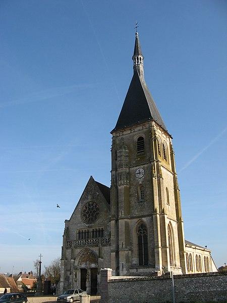 Photo du Monument Historique Eglise Saint-Cyr et Sainte-Julitte situé à Anet