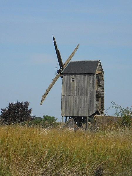 Photo du Monument Historique Moulin à vent Richard, dit aussi de Saint-Thomas situé à Bazoches-en-Dunois