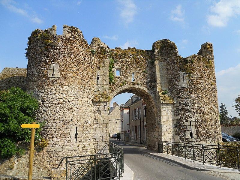 Photo du Monument Historique Portes de Ville situé à Bonneval