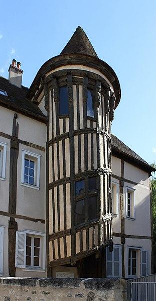 Photo du Monument Historique Maison dite de la Reine Berthe situé à Chartres
