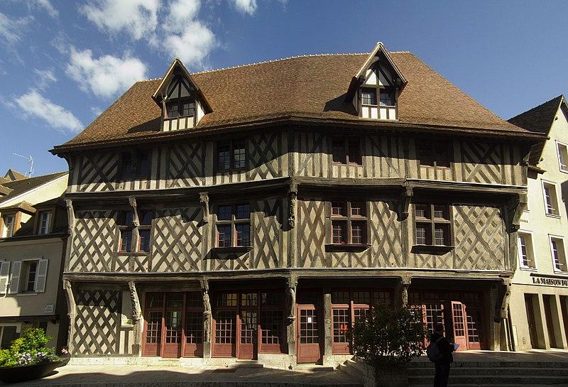 Photo du Monument Historique Maison du Saumon situé à Chartres
