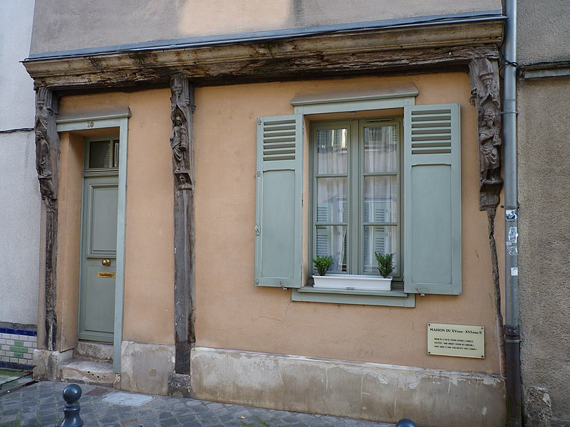 Photo du Monument Historique Maison situé à Chartres