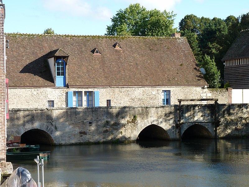 Photo du Monument Historique Moulin Saint-Père situé à Chartres