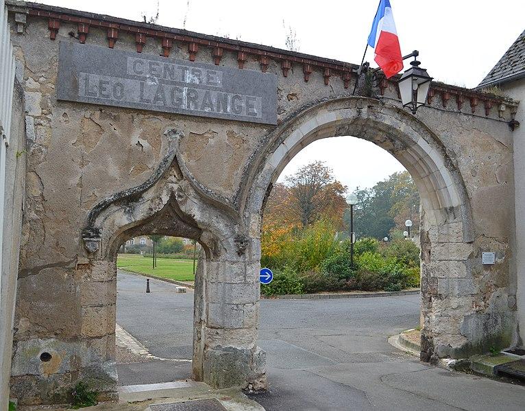 Photo du Monument Historique Ancien couvent des Cordeliers situé à Châteaudun