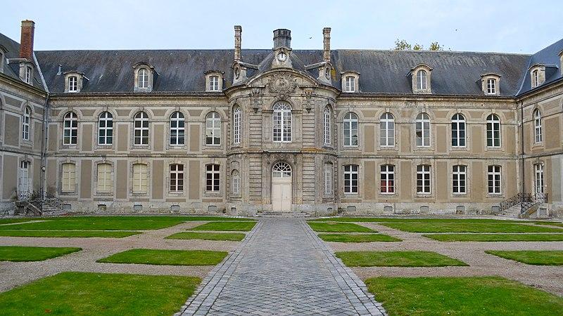 Photo du Monument Historique Hôpital situé à Châteaudun