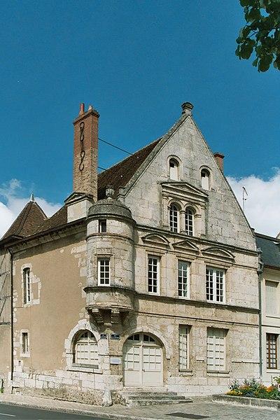 Photo du Monument Historique Maison du 16e siècle situé à Châteaudun