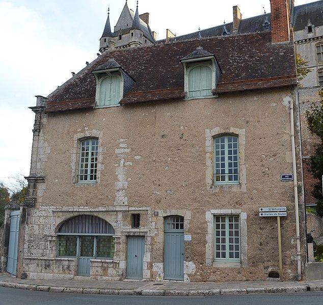 Photo du Monument Historique Maison Renaissance dite des Architectes du Château situé à Châteaudun