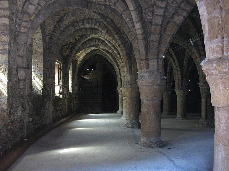 Photo du Monument Historique Ancien cellier dit Les Pressoirs situé à Epernon