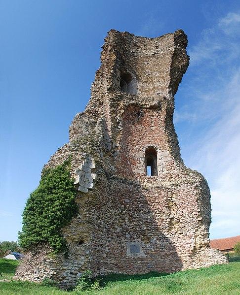 Photo du Monument Historique Tour dite de L'Epaule situé à Gallardon