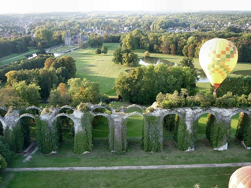 Photo du Monument Historique Ancien aqueduc de Pontgouin à Versailles (également sur communes de Berchères-Saint-Germain et Pontgouin) situé à Maintenon