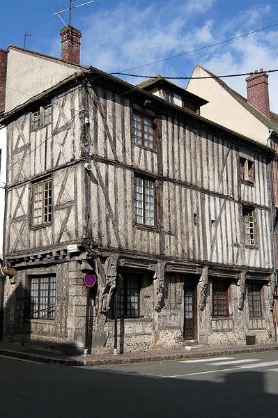 Photo du Monument Historique Immeuble situé à Nogent-le-Roi