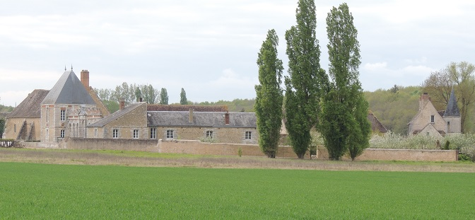 Photo du Monument Historique Restes de l'ancien château de Mémillon situé à Saint-Maur-sur-le-Loir