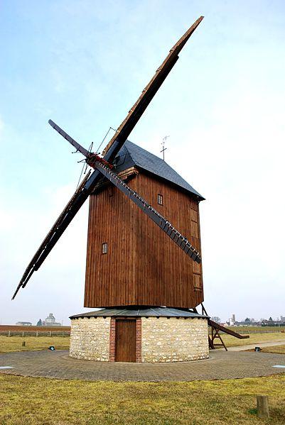 Photo du Monument Historique Moulin à vent dit du Paradis situé à Sancheville