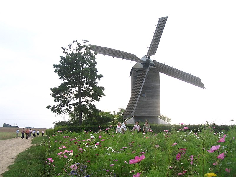 Photo du Monument Historique Moulin à vent situé à Ymonville