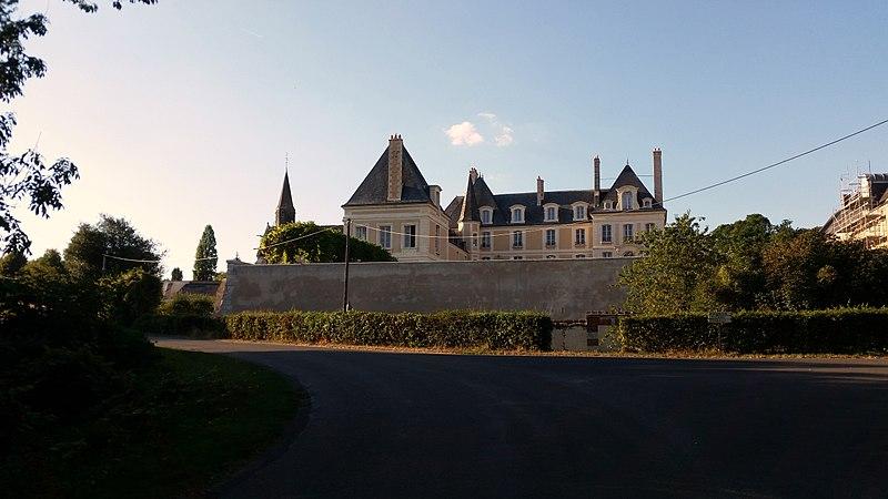 Photo du Monument Historique Château de Moléans situé à Moléans
