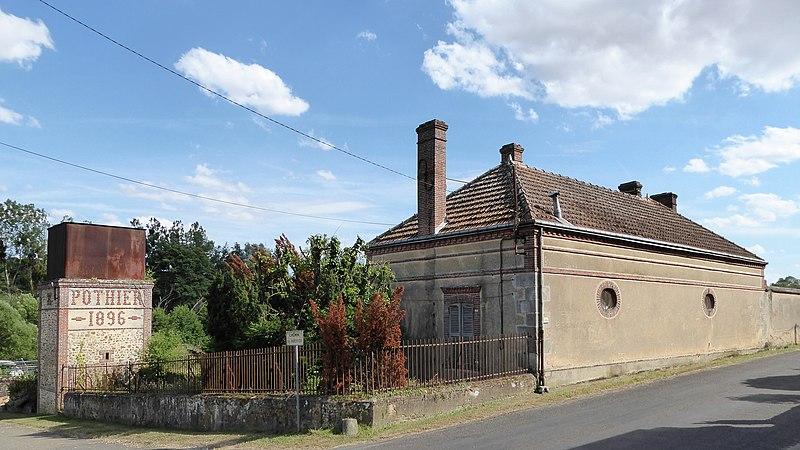 Photo du Monument Historique Machine et grille situé à Crécy-Couvé