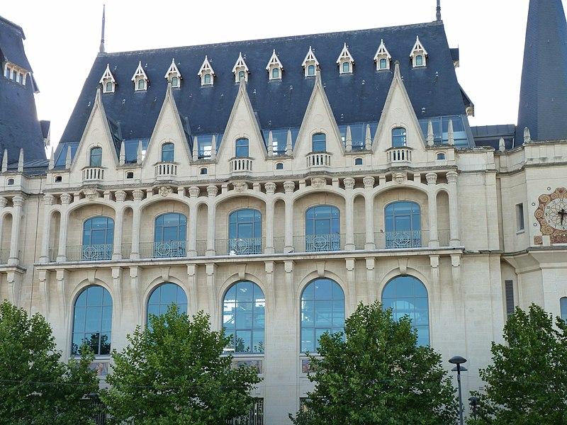 Photo du Monument Historique Hôtel des Postes situé à Chartres