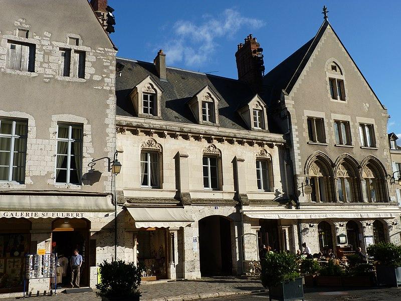 Photo du Monument Historique Maisons canoniales situé à Chartres