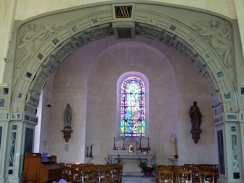 Photo du Monument Historique Eglise Saint-Martin situé à Mézières-en-Drouais