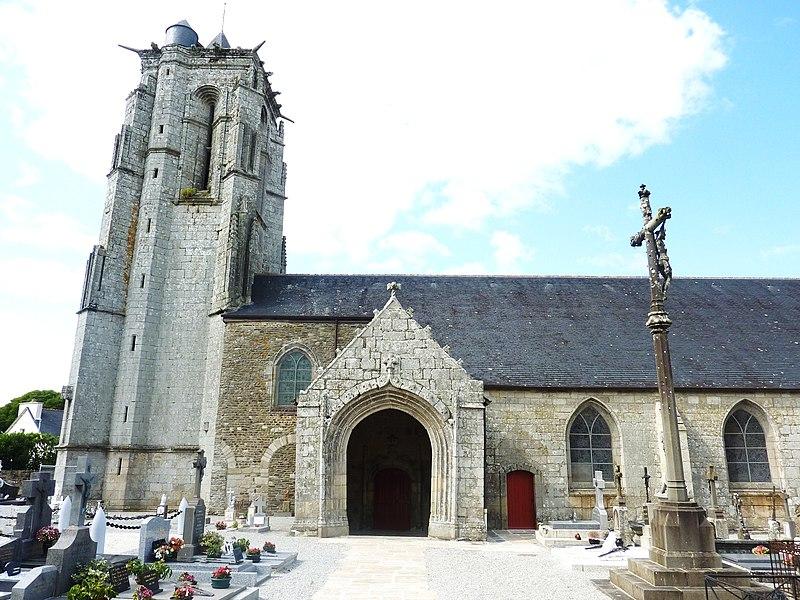 Photo du Monument Historique Eglise Saint-Pierre de Plouguer situé à Carhaix-Plouguer