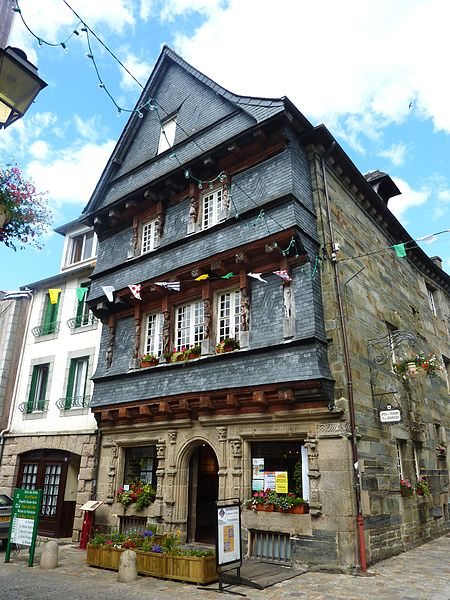 Photo du Monument Historique Maison du 16e siècle, dite maison du Sénéchal situé à Carhaix-Plouguer
